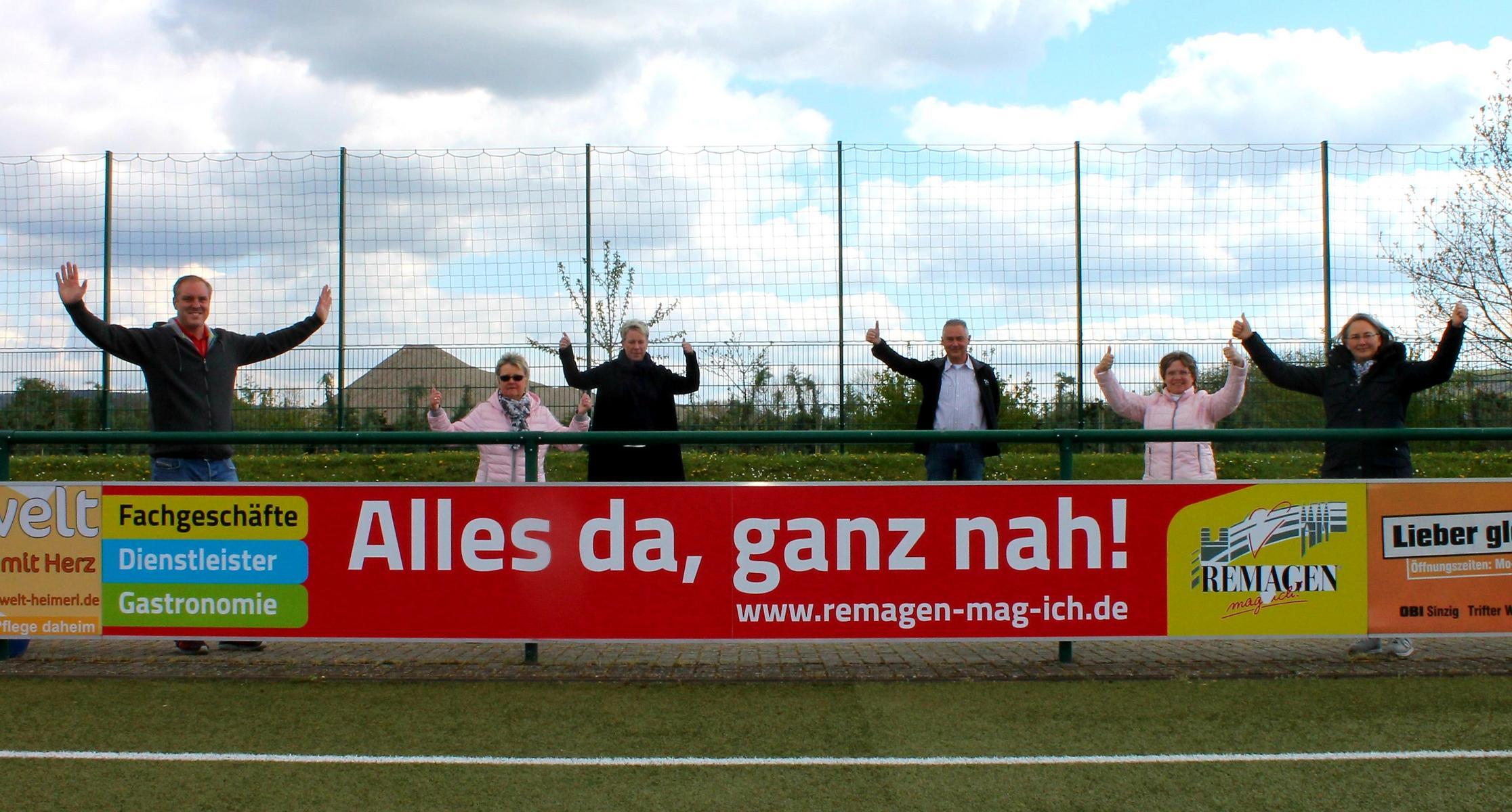 Neue Werbebande des Remagener Gewerbevereins am Kripper Sportplatz